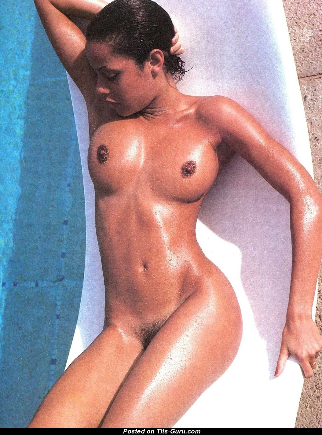 Young angelina jolie naked